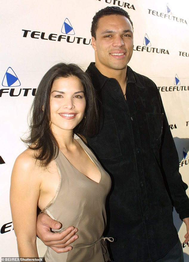 Football Tony Girlfriend Gonzalez