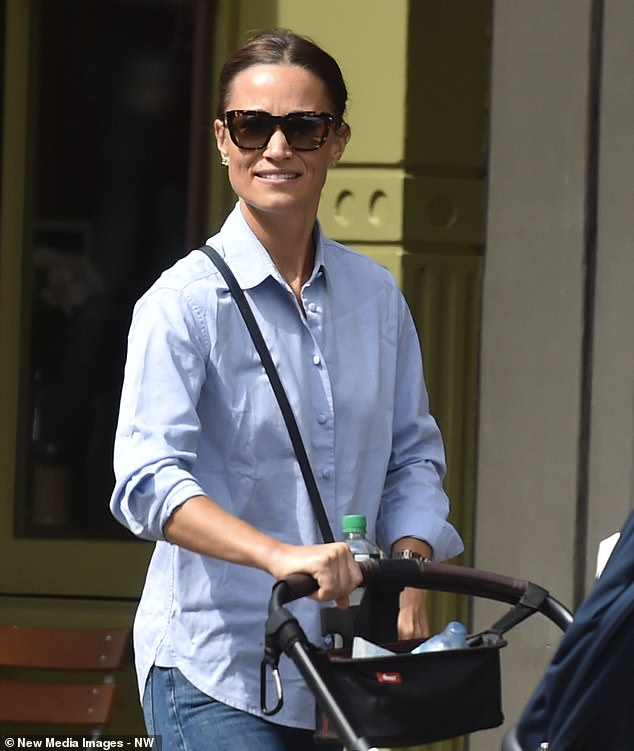 Pippa completed her look with tortoise shell shades by UK label Zanzan and swept her brunette locks into a ponytail