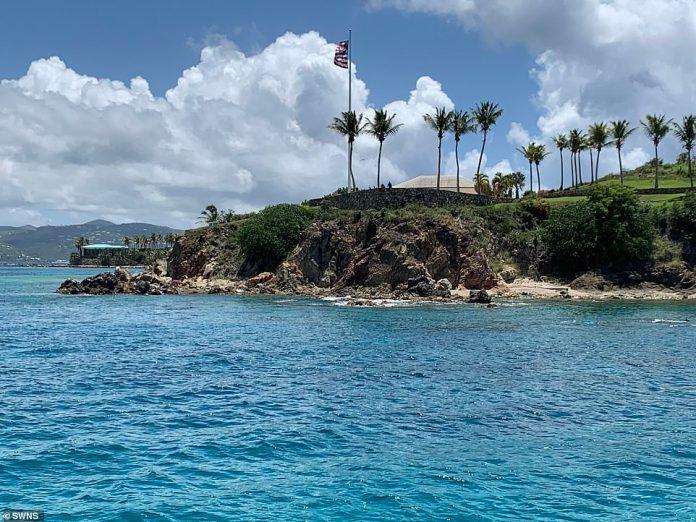 Epstein kaufte die 71,5 Hektar große Insel 1998 für 7,95 Millionen US-Dollar