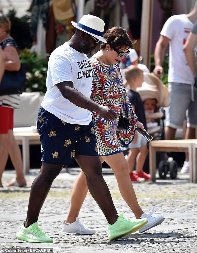 Heureux: elle a montré son incroyable garde-robe pendant ses vacances à Portofino avec son petit ami Corey