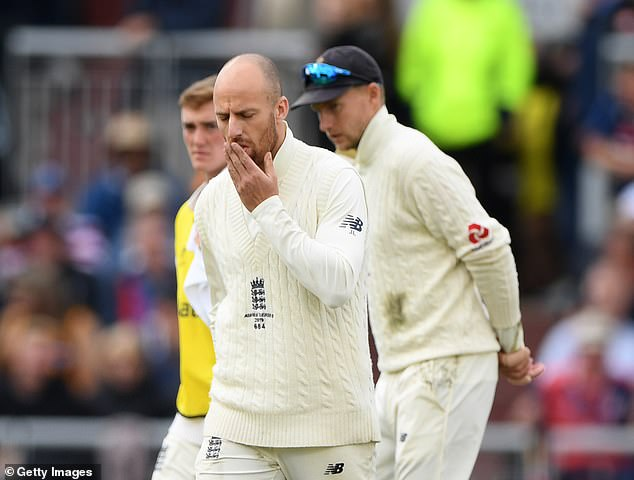Leach and England captain Joe Root react after Smith's reprieve for the no ball on Thursday
