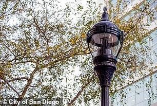 Παρόλο που υπήρξαν κάποιες αντιδράσεις, άλλοι κάτοικοι ελπίζουμε για τις ευκαιρίες που θα μπορούσε να φέρει η Smart StreetLights στην πόλη - η εικόνα είναι ένα δεύτερο μοντέλο Smart StreetLights