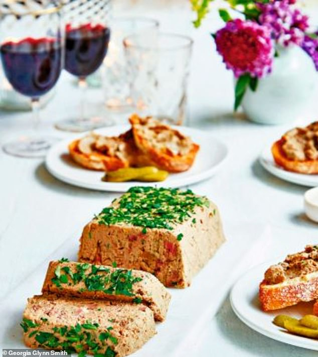 This delicious rustic mushroom liver pate is a speedy dish that can be enjoyed with toast