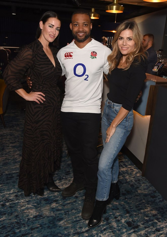 Fun times: JB posed between Kirsty and Zoe for a cute photograph