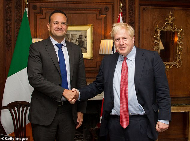 """Johnson met with Irish Prime Minister Leo Varadkar on Thursday in Merseyside, with little hope of progress. But after three hours of discussions, they agreed on a """"path to a possible agreement"""" (photo together after the meeting)."""