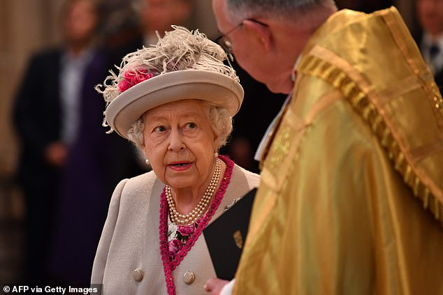 Her Royal Highness appeared in great spirits as she listened to the Very Reverent John Hall ahead of the anniversary service