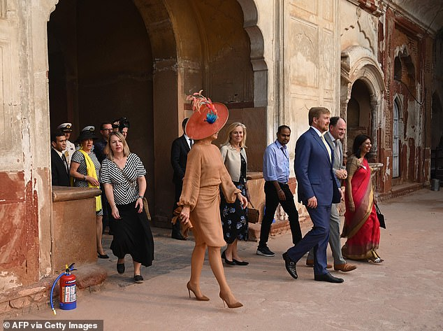 Following the summit, the king and queen visited the ancient tomb of Safjar Jang which is situated in New Delhi