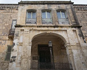 The palazzo-style mansion on the outskirts of the Maltese capital Valletta has been in a state of disrepair and most of its contents have been sold
