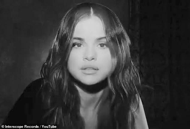 """""""Dans deux mois, vous nous avez remplacés"""": la livraison intervient alors que l'ex-femme de Justin, Selena Gomez, lui reprochait de quitter si rapidement sa relation avec Hailey dans sa nouvelle chanson."""