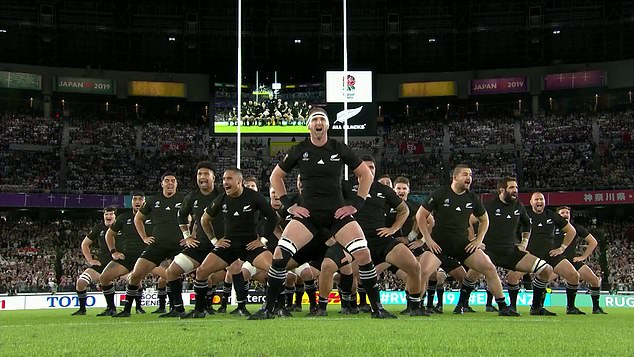 New Zealand carry out their famous war dance as they attempt to intimidate Eddie Jones' men