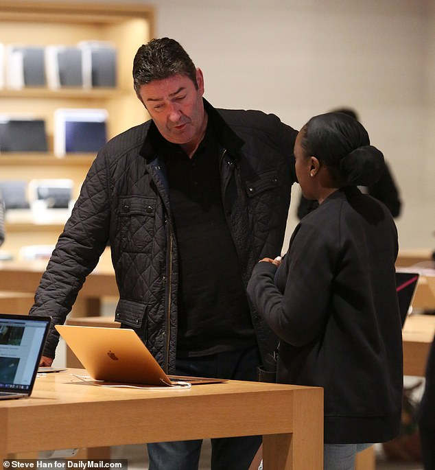 Easterbrook was at the Apple store for around 30 minutes to purchase his new laptop, talking to an Apple store employee for most of his visit