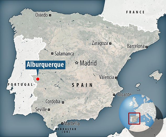 The drawings were discovered in the rocky area of San Juan, near the town of Albuquerque in the province of Badajoz in western Spain