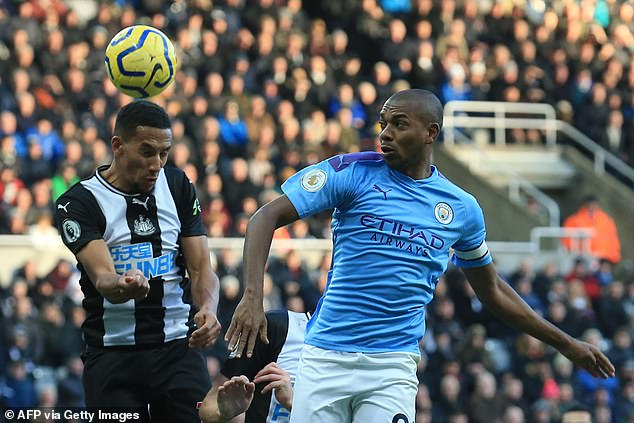 Guardiola insists Fernandinho is still worthy of a starting spot at the heart of City's defence