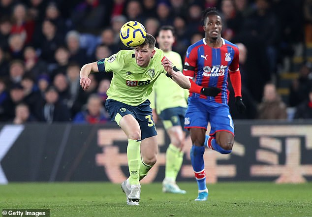 The visitors doubled up onWilfried Zaha in a bid to frustrate the Palace talisman in first-half