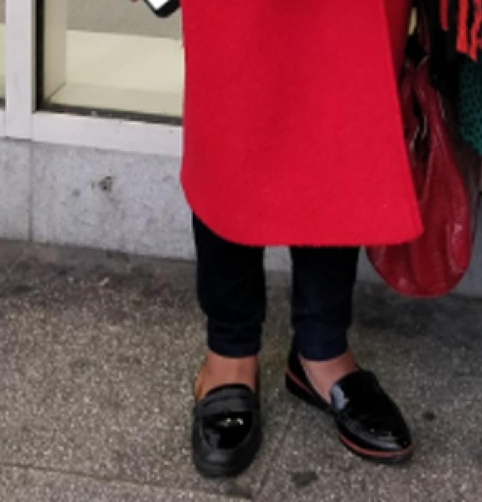 Ms Abbott appeared to be wearing two left shoes from separate pairs of black loafers