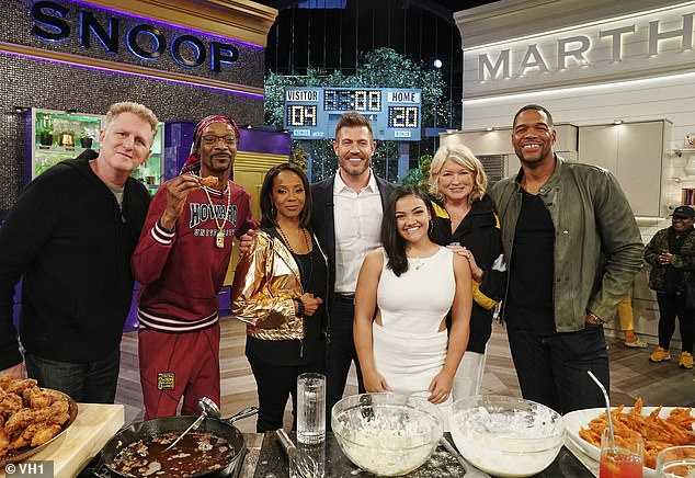 Chow down! DailyMailTV's own Jesse Palmer stepped on the culinary field for Wednesday's upcoming game-time showdown episode of Martha and Snoop's Potluck Party Challenge (Pictured L-R Michael Rapaport, Snoop Dog, DJ MC Lyte, Jesse Palmer, Laurie Hernandez, Martha Stewart and Michael Strahan)