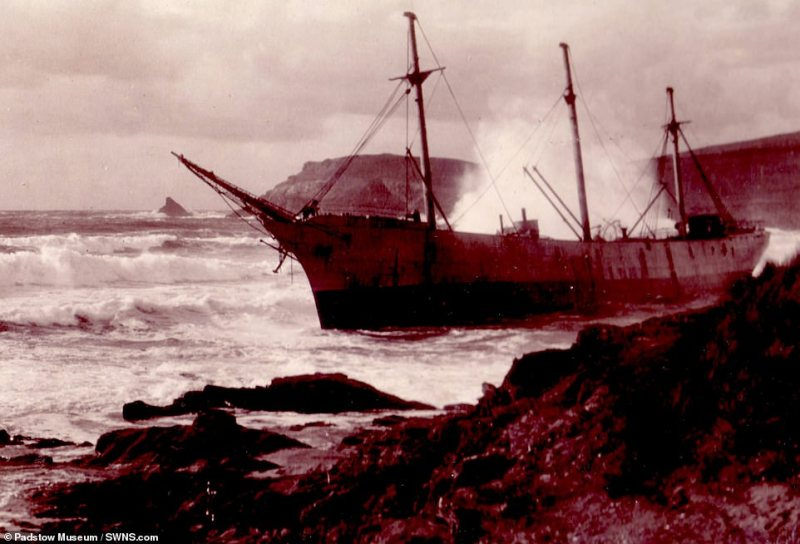 Archive photo of the wrecked SV Carl when it was beached at Booby's Bay, Cornwal
