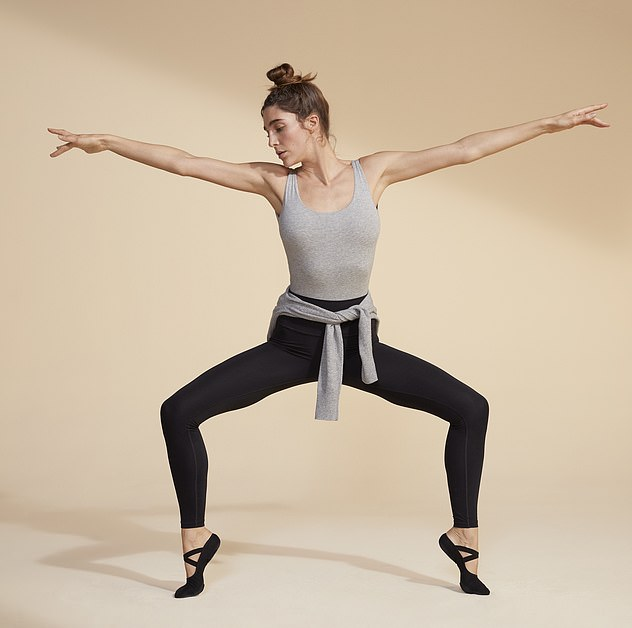 The lightweight and flexible fabric allows you to move around and feel comfortable all day wearing The Perform Leggings