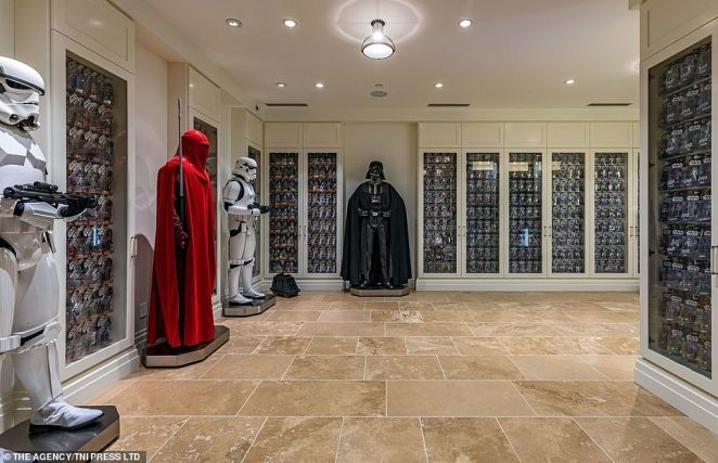 Seen in this cavernous space is a red guard, part of the elite organization of bodyguards trained to protect the head of state of the Galactic Republic. The figures in this house were not actually used in the filming of any of the movies, but are simply life-size replicas