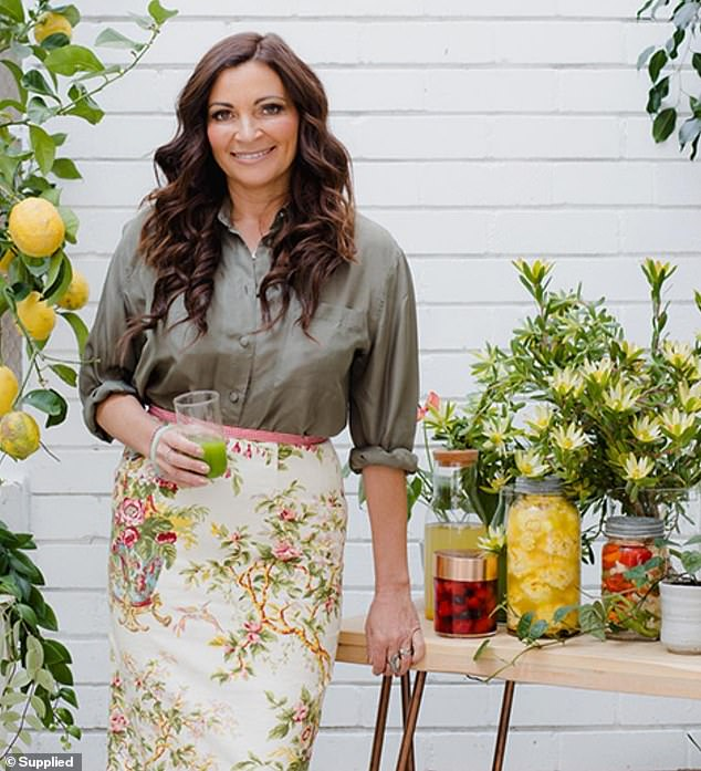 Nutritionist and former English teacher Lee Holmes revealed how to pack the perfect lunchbox - and it all comes down to including as many different ingredients as possible