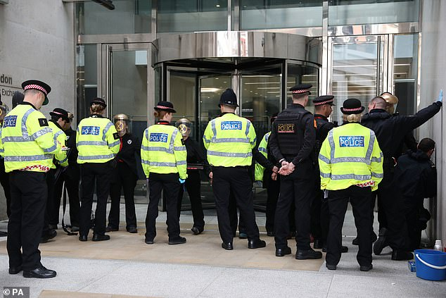 Growing numbers of the public were ¿losing faith¿ in the criminal justice system as a result, the police watchdog said