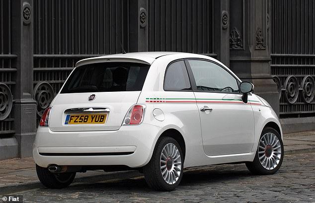 Die durchschnittlichen Versicherungskosten für Fahrer mit einem Fiat 500 betragen 1.281 GBP - können jedoch nur 747 GBP betragen
