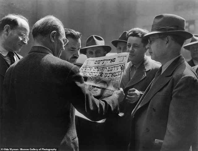 Well dressed men in Manhattan's garment district huddle around the a copy of The Jewish Daily Forward, a Yiddish-language newspaper to read about President Franklin D. Roosevelt's death on April 12, 1945.During her decades-long career, the girl who grew up in the Bronx managed to capture Hollywood glamour, iconic moments and the everyday in her black-and-white images.
