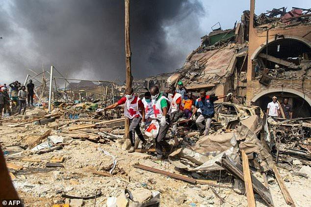 Gas explosion: 17 dead, 50 buildings destroyed; rescue efforts underway [Video+Photos]