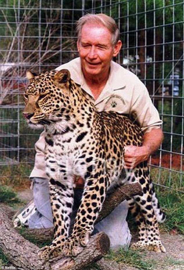 Тело не было найдено: миллионер, владелец заповедника экзотических кошек Wildlife на Easy Street, загадочным образом исчез 18 августа 1997 года, незадолго до того, как Баскин взял под контроль свою волю и имущество над своей первой женой Глэдис Льюис Кросс.