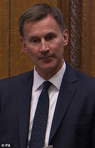 Former health secretary Jeremy Hunt has called for more testing and tracing to ¿break the chain¿ of transmission