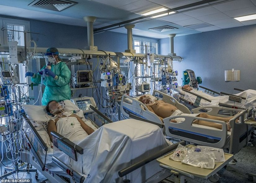 ITALY: On Tuesday, patients undergo intensive care in Cremona, Italy