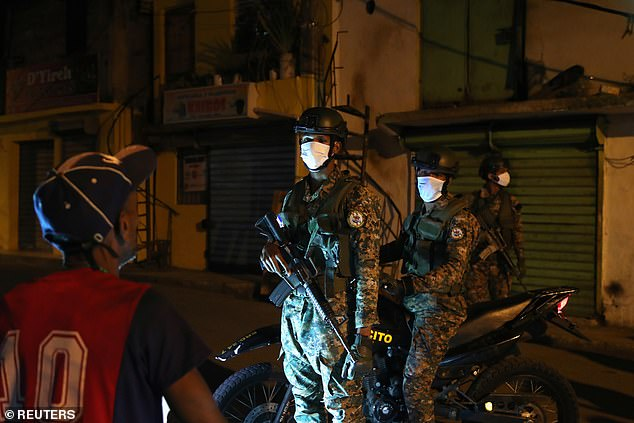 The National Police has registered more than 5,000 arrests since last Friday, when the government of the Dominican Republic imposed a curfew to stem the coronavirus outbreak