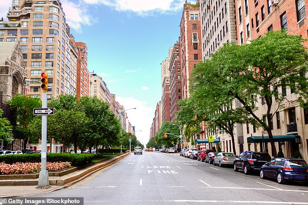 Park Avenue in Manhattan will be closedbetween 28th Street and 34th Street to all vehicles between 27 March to 30 March