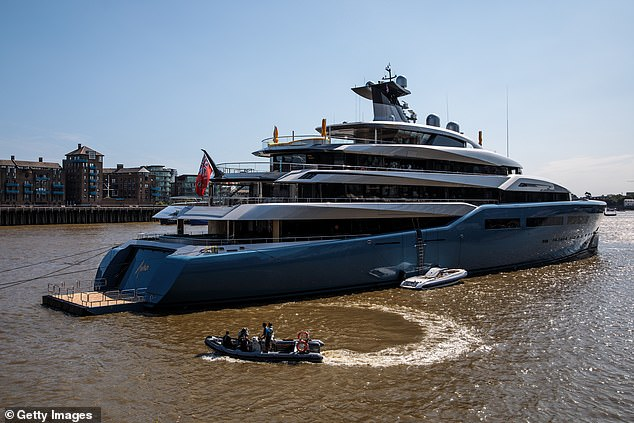 The £ 100 million + superyacht, Aviva, owned by Lewis docked on the Thames in London in 2018