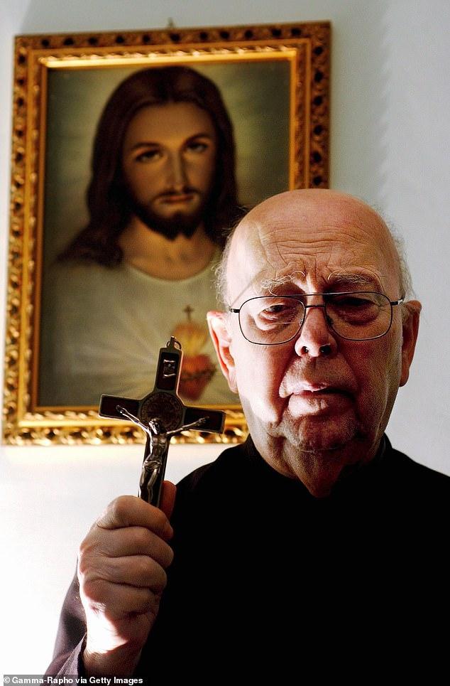 Le père Gabriel Amorth (photo), qui était l'exorciste en chef du Vatican, était convaincu qu'il faisait face au mal incarné un matin de 1997 lorsqu'un jeune Italien a été amené dans son petit cabinet de consultation à Rome