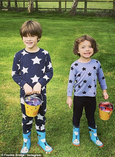 Instagram vs. reality: 31-year-old Frankie Bridge gave fans a glimpse of his day with an `` Instagram versus reality '' approach, showing his sons Parker and Carter during their Easter egg hunt