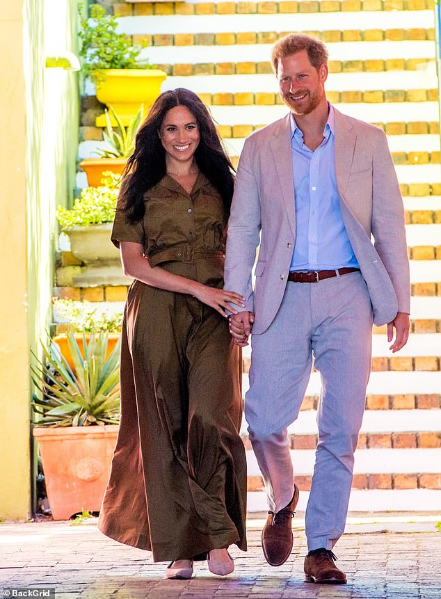 Prince Harry and Meghan Markle have delivered food to residents of Los Angeles living with serious illnesses, it was revealed. In the photo, the couple on a royal tour last year