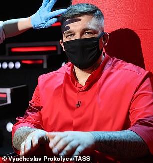 Protection: Rapper Basta - real name Vasiliy Vakulenko, wearing a mask