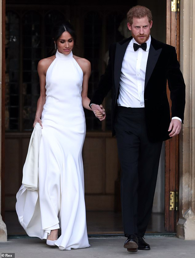 Meghan Markle wore one of Stella McCartney's £ 1,500 coats on Remembrance Sunday and had her dress designed for her wedding reception (photo) in May 2018