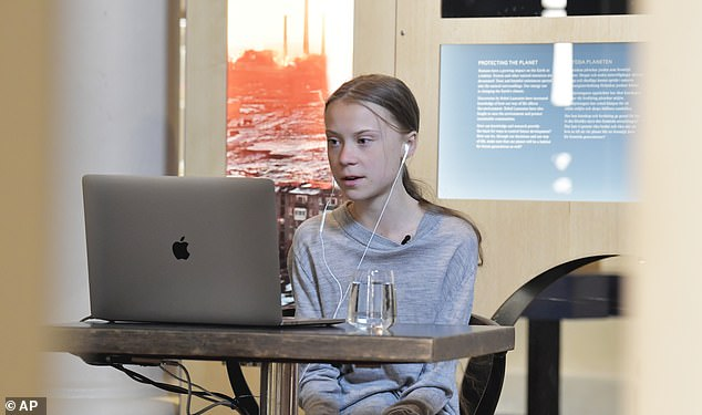 Greta Thunberg, photographiée lors d'une apparition en direct la Journée internationale de la Terre la semaine dernière, a fait un don de 100 000 $ à l'UNICEF