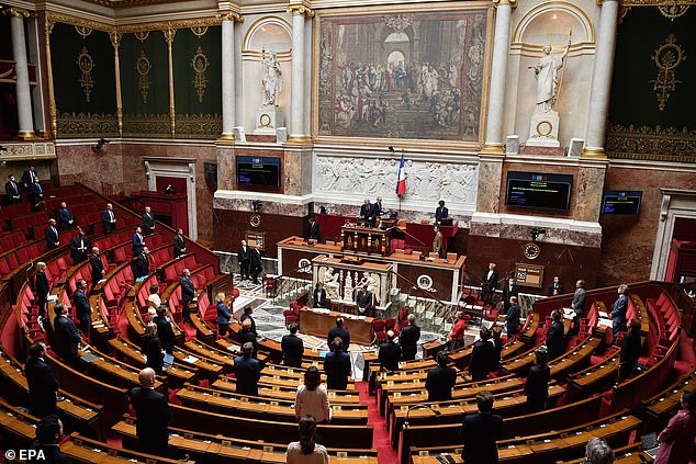 Philippe announced the cancellation of the season at the National Assembly in Paris