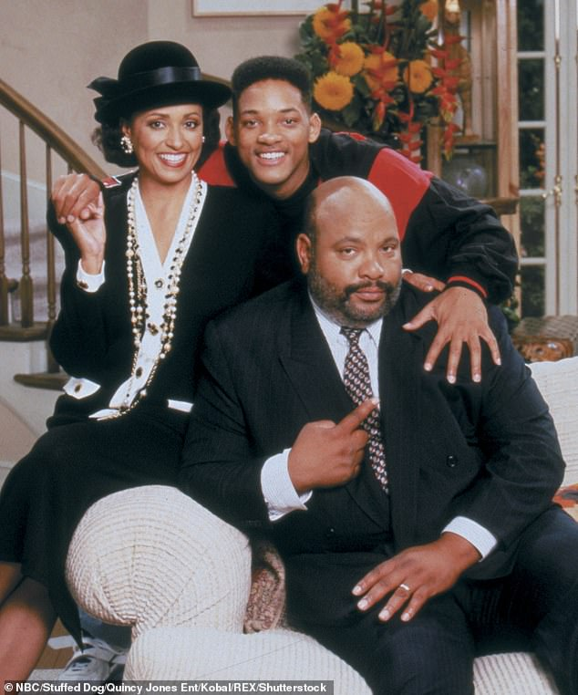 With tears in the eyes, Daphne Reid (photo), who played James' aunt Viv on screen, added: `` I loved this man. ''
