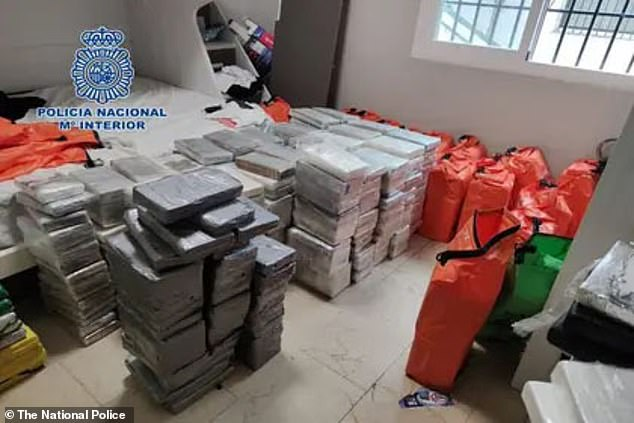 Intelligence reports gathered in December 2019 forced narcotics authorities from the United States, Colombia and Britain to oversee the Colombian drug smuggling ring which plans to send cocaine to the coastal city of Vigo in northern Spain.