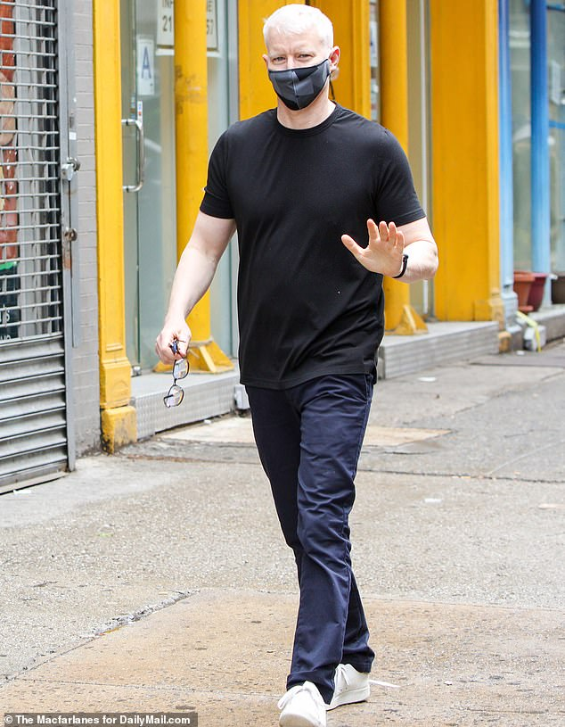 To keep it simple: the 52-year-old CNN anchor draped his toned figure in a loose black T-shirt that complemented his midnight blue pants