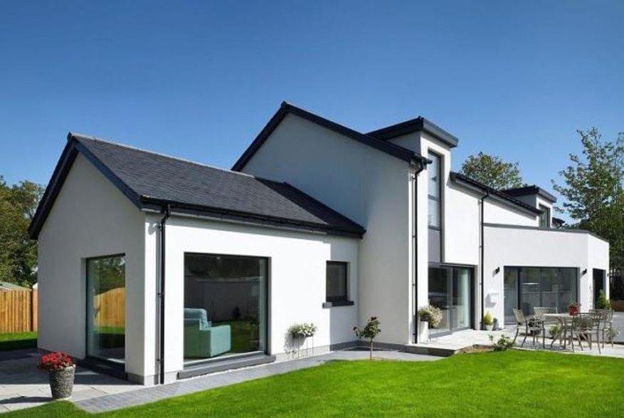Esta casa unifamiliar de cuatro dormitorios en Inverness, se encuentra en el pintoresco campo y tiene un tamaño de parcela de aproximadamente 0.17 acres