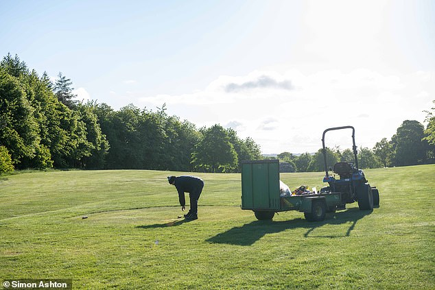 In front of the sportsmen, the greenkeepers were in force to take care of their grounds before the crowd entered the courses