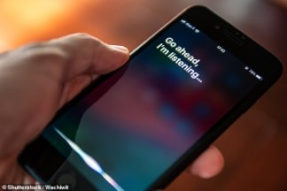 Whistleblower Slams Apple for 'Wiretapping Entire Populations' After Revealing That Siri was Listening in on Users' Intimate Moments and Sending Recordings to be 'Graded' by Contract Workers