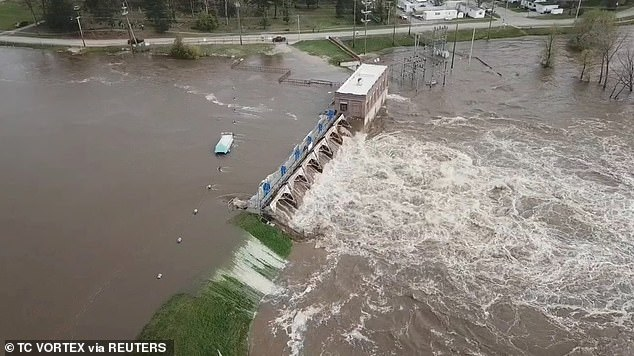 Trump's tweet comes at a time when Michigan officials are dealing with two crises: the coronavirus pandemic and severe flooding due to the failure of two dams (Sanford Dam pictured)