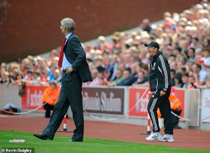 Former Stoke boss Tony Pulis (right) has revealed Wenger's obsession with playing Stoke