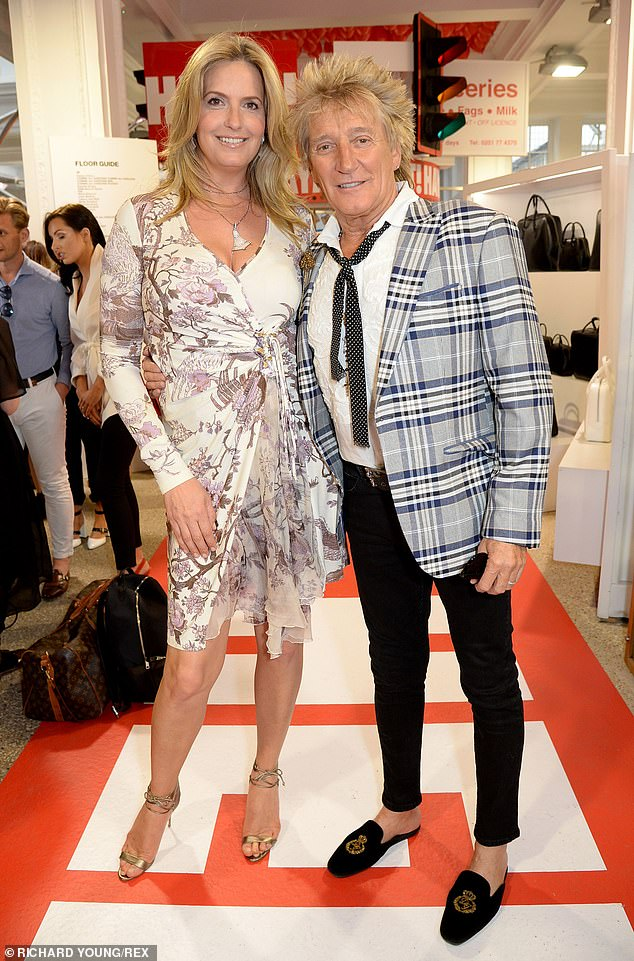 `` I'm amazed that she kept me for 20 years '': Rod Stewart said his wife Penny Lancaster was `` everything '' to him as he pondered their relationship in an interview on Friday